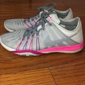 Nike flyknit 4 sneakers